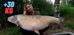 Monika Lechowska-Bacia złowiła amura +30 kg